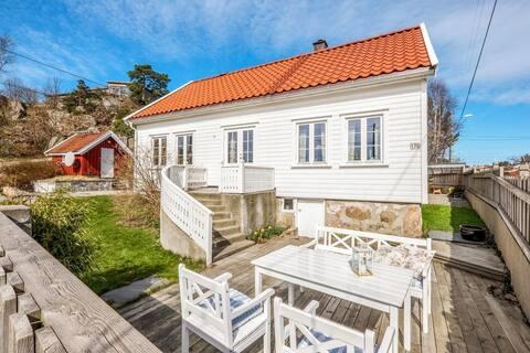 Trivelig sørlandshus i Søgne, gåavstand til sjøen.