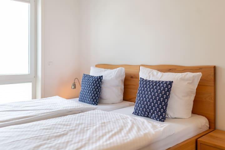 2. Schlafzimmer mit Meerblick