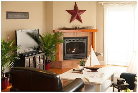 Cozy Harbor Cottage, Whidbey Island