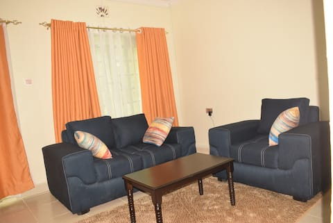 Beautiful 2-bedroom with secure/ free parking