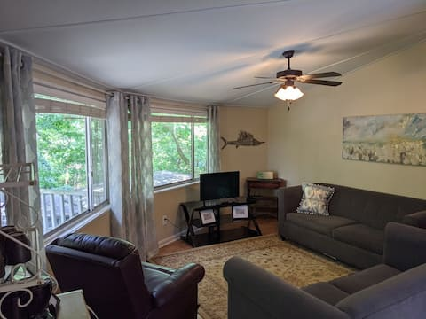 Tree House Condo! Steps From Campus! Pet Friendly!