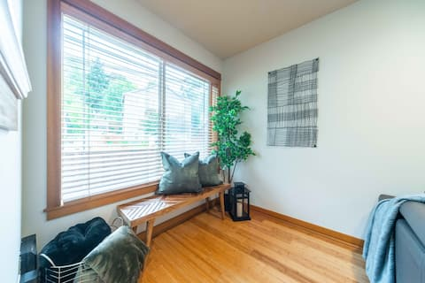 Cozy 3BR/2.5BA West Seattle Townhome