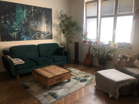 Shared apartment with tiny bedroom close to center