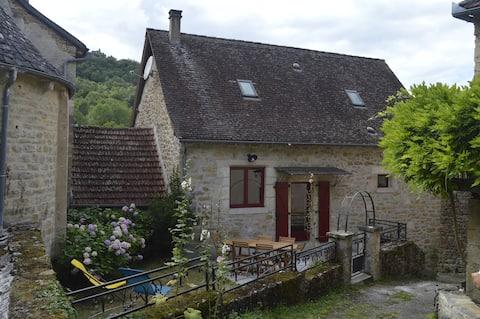 Maison de caractère dans le village de Gintrac