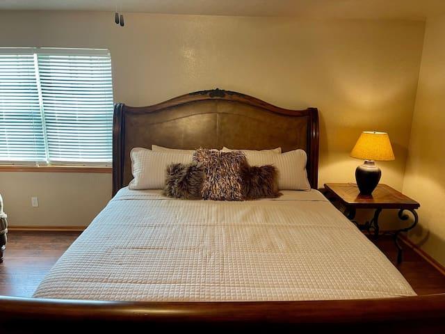 King Size Bed w/ Memory Foam Mattress