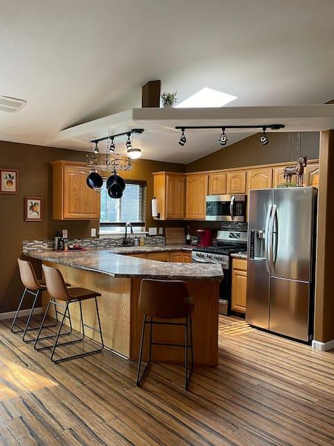 Charming 4 bdrm, 3 ba house in Idaho Falls w gar