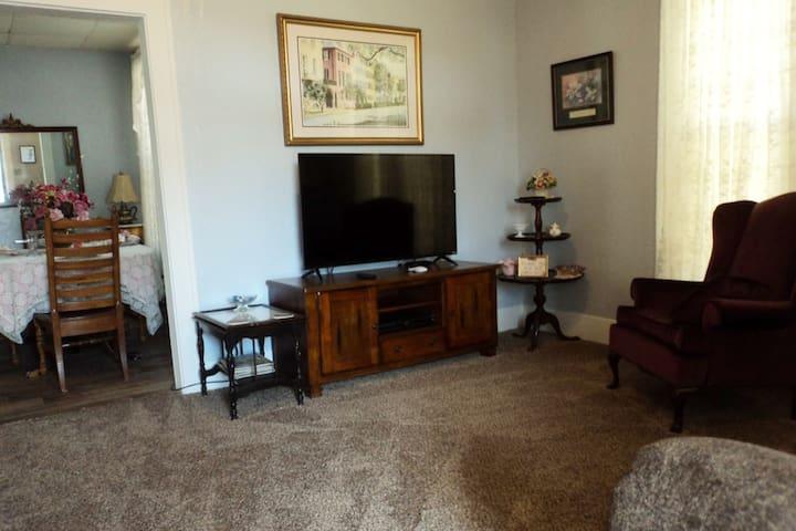 Living Room, TV, DVD, Wifi