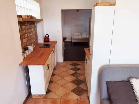 dwupokojowe mieszkanie na starówce w Chojnicach.