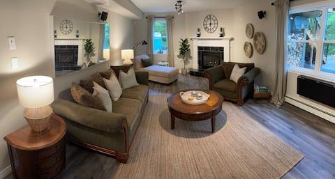 """Fox Hollow Retreat""- Newly Renovated Apartment"