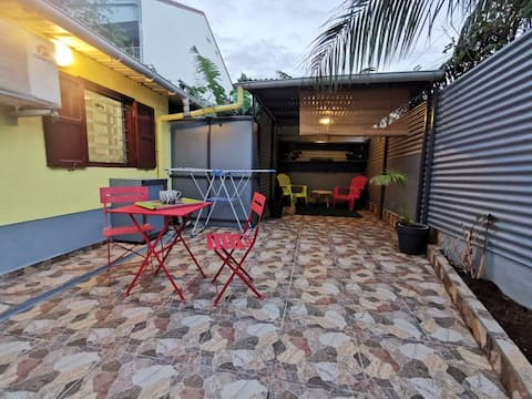 studio avec grande terrasse