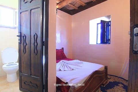 Single Room with bathroom in Tacheddirt Imlil