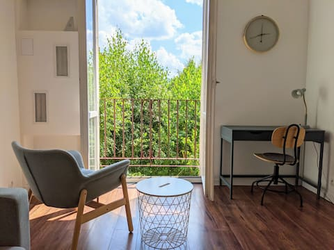 JJ's Lovely Downtown Apartment ♥ Free Parking