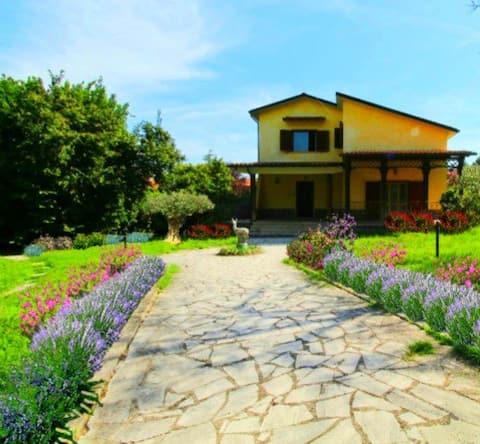 Fiore del Lago Romantico bed & breakfast