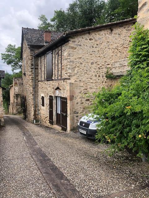 Pascal a Lovely one bedroom Gite on quite street