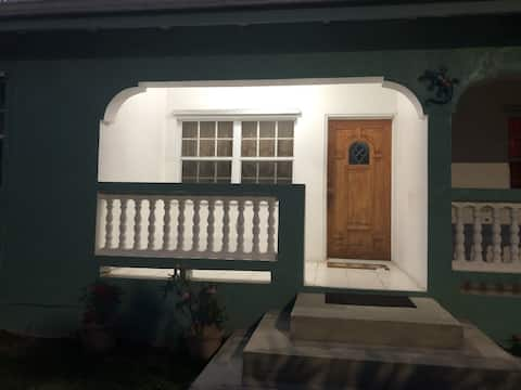 STX lovely Two bedroom apartment with patio