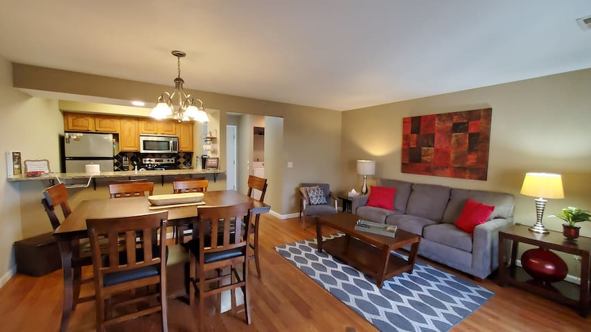 Enjoy all the comforts  of home in this adorable  condo. It sleeps 6 guests.