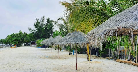 Villa guesthouse direct on the beach, Wi-Fi, B&B