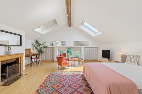 Country Style Charming &Peaceful Loft Free Parking
