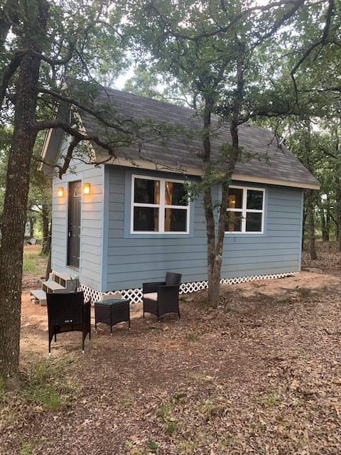 HicoTX Blueberry Inn 5 Tiny Home Ranch GetAWay