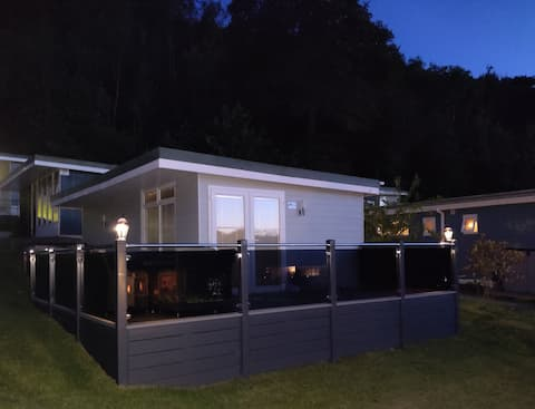 Renovated 2021-Large Enclosed Decking-Dog Friendly