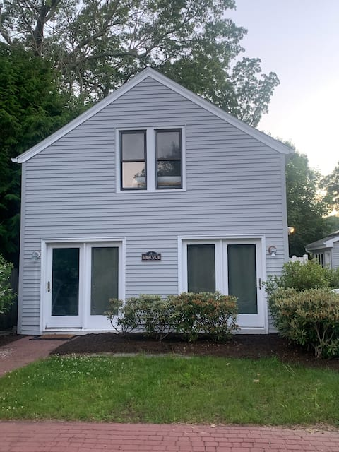Waterfront Cottage on the Niantic River