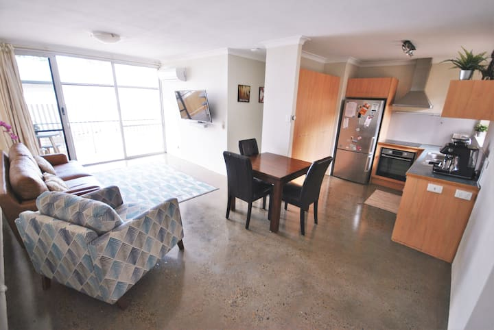5 Star - 2 Bdrm Inner Nth City Apt