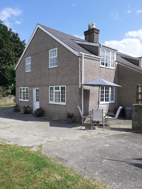 Gaerwen Farm Cottage