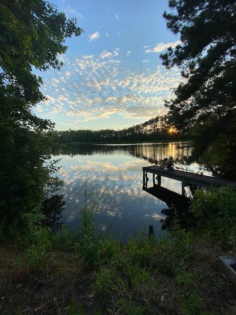 Peaceful 2-Bedroom Cottage on Beautiful Pond