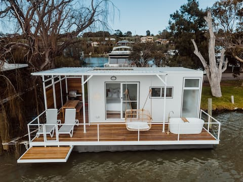 The Floathouse - floating tiny home on the Murray