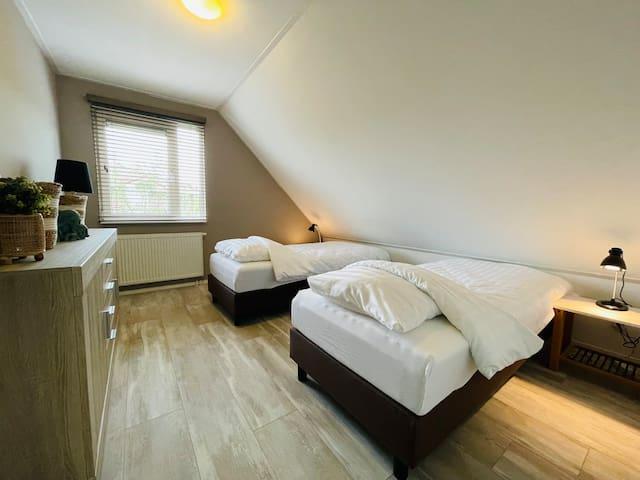 Slaapkamer 2, 2 bedden
