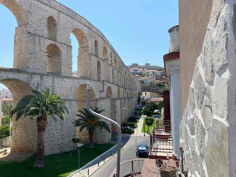 Ancient Aquaduct Airy Appartment.