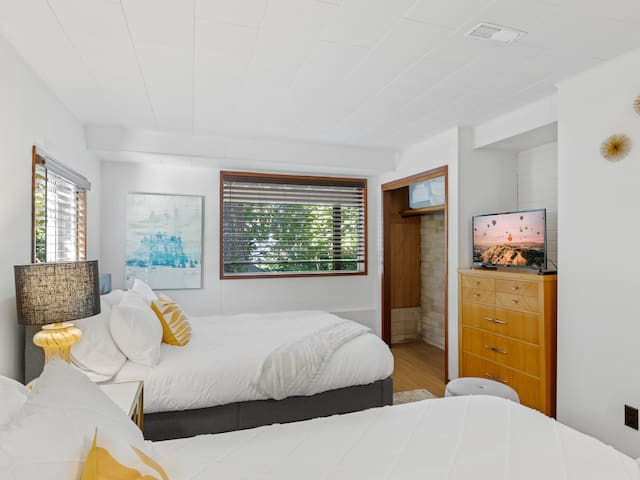 Bedroom #4 in the lower level has two new (July 2021) Haven LUX Rejuvenate  Springwall Chiropractic mattresses