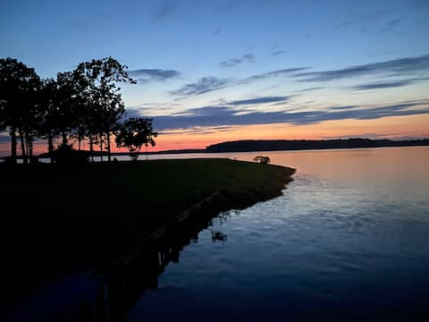 Come enjoy the best view on Toledo Bend!