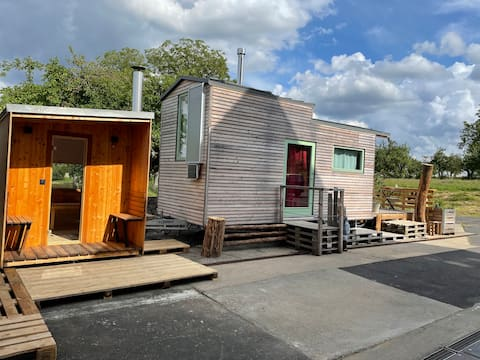 Mini dům Hubsi s venkovní vanou a saunou