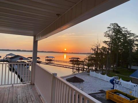 Carolina Cove Lake House met zwembad 3 slaapkamers 2,5 bad