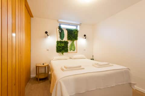 ☆NEW☆ Burgos 21: Private Suite with Free Parking