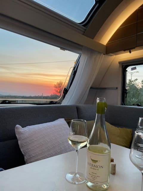 The sunset caravan