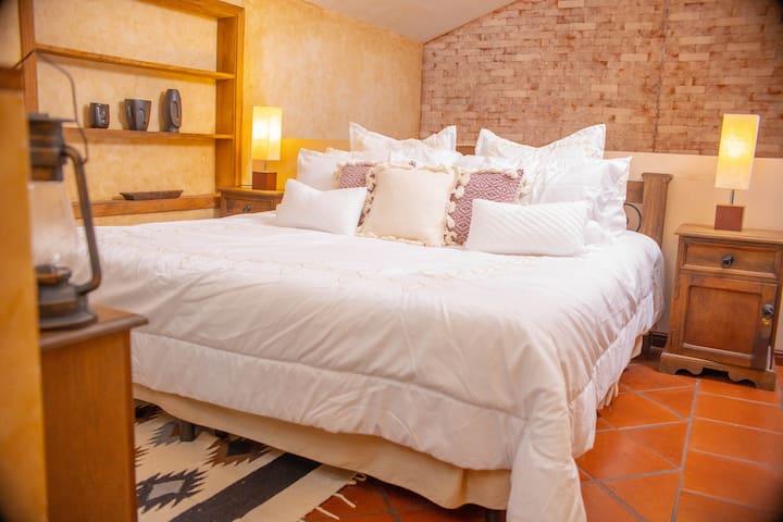 Cama tamaño King / King size bed