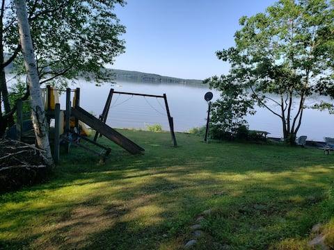 Beautiful SandLake Cottage Rental!
