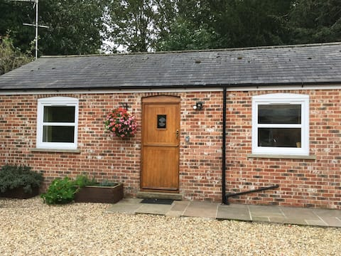 One bedroom cottage NE of Lincoln - New Listing
