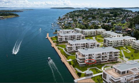 Brand New Seaview Apartment in high end area!