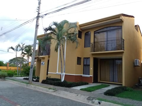 Villa in a quiet/safe residential area