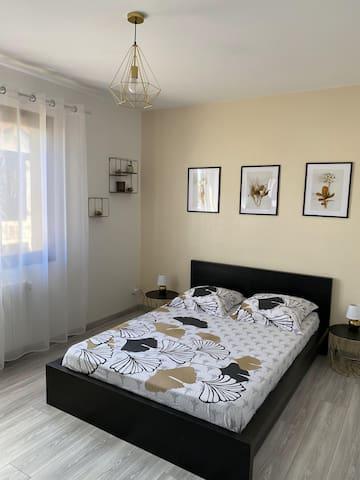 """Chambre """"Ebène"""" avec lit de 140"""