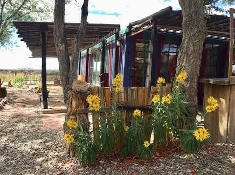 Casa Del Sol - An Artists Courtyard Casita