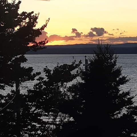2 Bedrooms Unit overlooking Bras d'Or Lakes