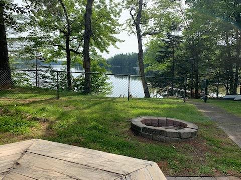 Bog Lake Cove (Downeast Maine 4-bedroom retreat)