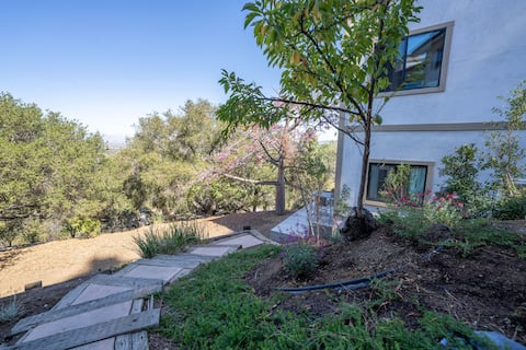 Conejo Valleys Nature Escape for hikers and bikers alike!
