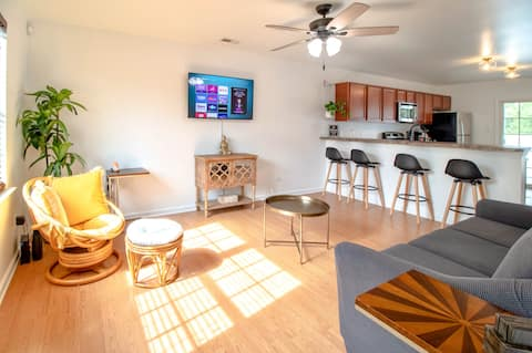 Cozy BOHO 2BR Townhome BEST LOCATION!