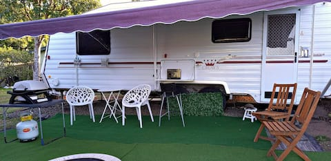 Elegant  Fully Self-Contained  23ft Caravan