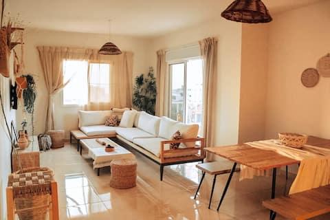 Super Comfy 2-Bedroom apt in the heart of Batroun